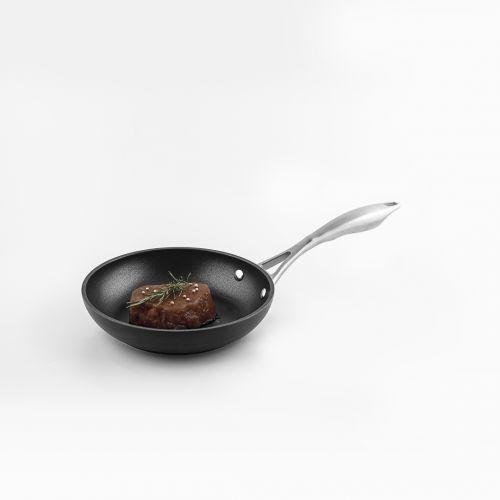 BLACK SERIES FRY PAN